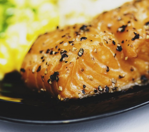 Honey salmon in black tea marinade